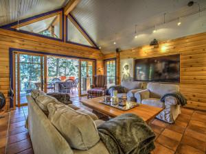 Custom Rancher - Photography by Reactive Design